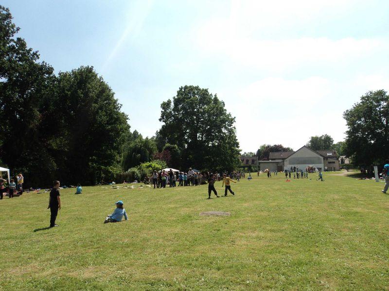 650 enfants r unis dans le parc du foyer blog de la for Parc enfant yvelines